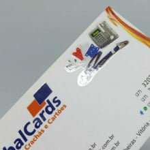 Cartão de Visita Couchê 300g Fosco Verniz Local 9x5cm 4x4 Cores com 1000 Unidades