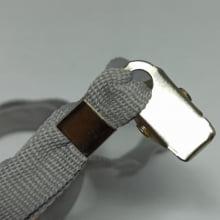 Cordão Liso 12mm para crachá c/ presilha clips jacaré cinza